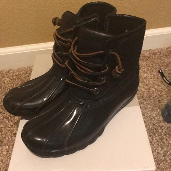 3f891dd841f Steve Madden women s torrent rain boots. M 5ae39a2250687c423f6da751